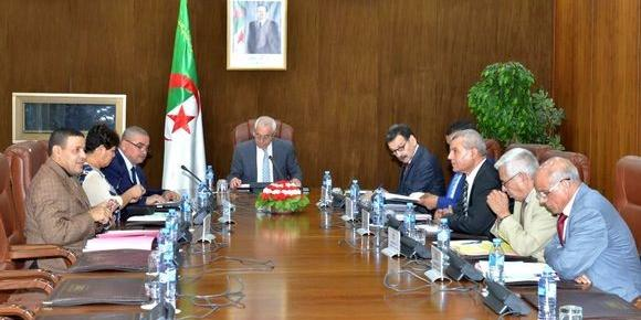 Algeria : Finance Minister predicts a sharp fall in Algeria's foreign exchange reserves for 2018