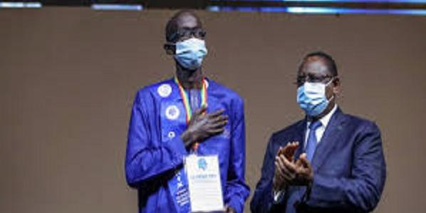 Senegal-digital innovation: the student Mouhamadou Lamine Kébé wins the Grand Prix of the President of the Republic
